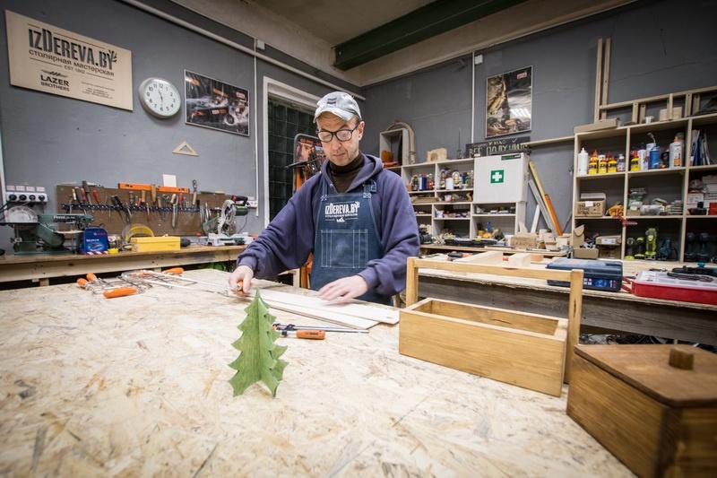izDereva.by делаем елочку своими руками в столярной мастерской